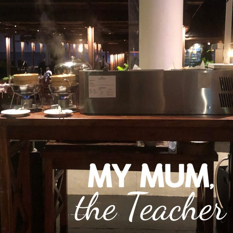 travelling-with-kids-buffet-dinner